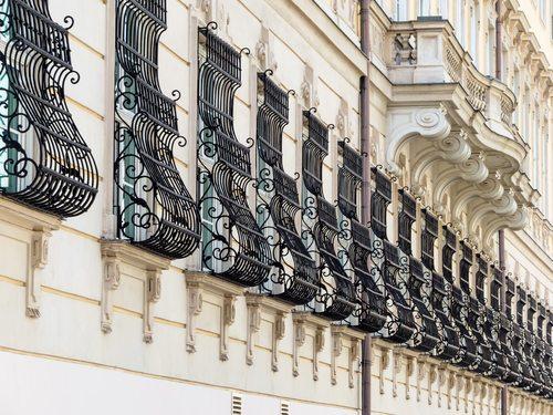 סורגים מעוצבים לחלונות בבית