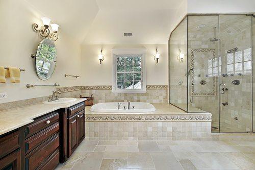 אמבטיה או מקלחון